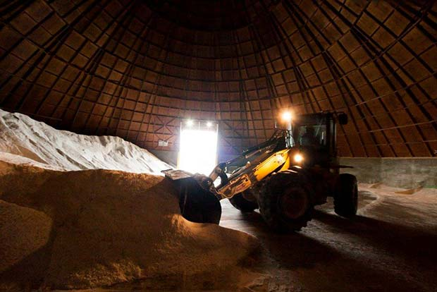 Largest Distributor of Bulk and Bagged Salt and Deicers in